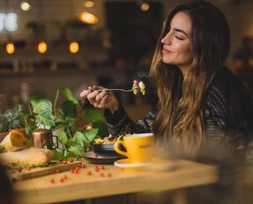 Mindful Eating Wohlbefinden durch Essen